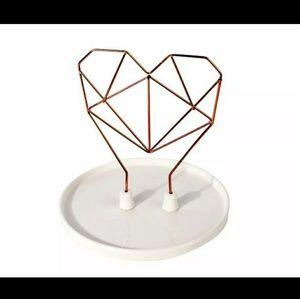 New wire heart ceramic jewelry holder/decor